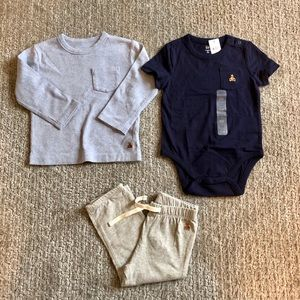 NWT/EUC GAP 3-piece Outfit in size 18-24 months.